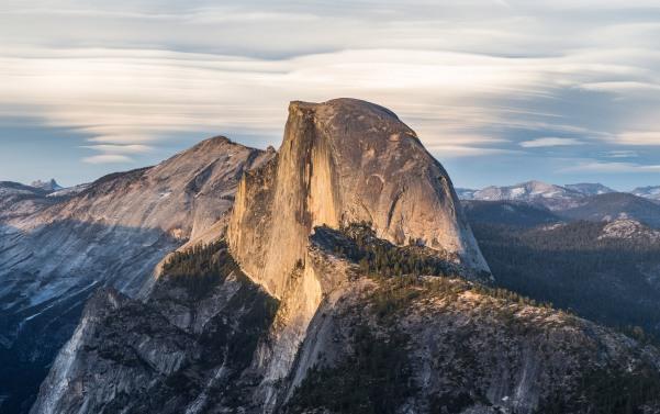 Half_Dome_from_Glacier_Point,_Yosemite_NP_-_