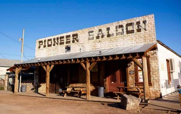 pioneer-saloon-goodsprings-nv